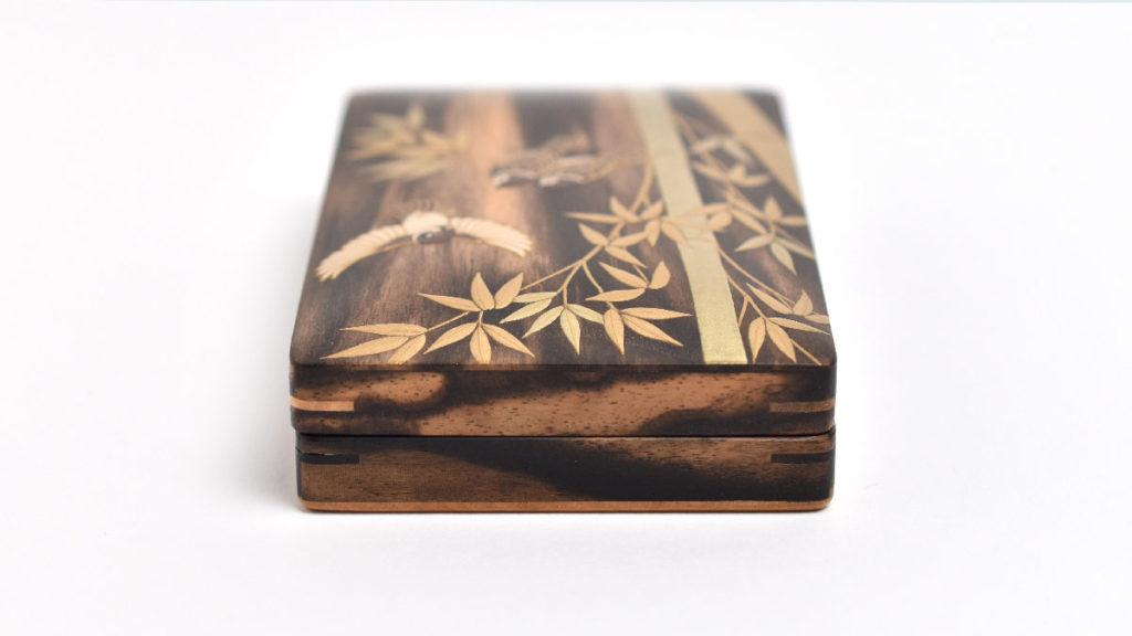 オーダーメイドで竹に雀の蒔絵が描かれた黒柿の小箱